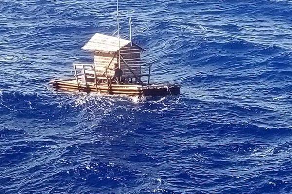 Un joven indonesio sobrevive 48 días en una cabaña de pesca a la deriva
