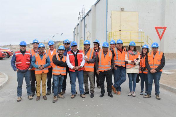Representantes de medios de comunicación visitaron puerto Punta Padrones y planta desalinizadora de minera Candelaria en Caldera