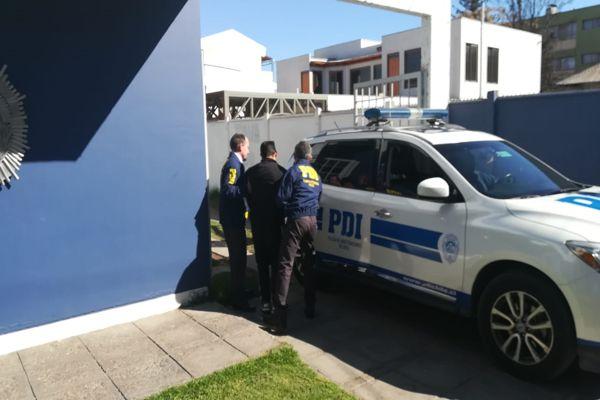 PDI detiene a sujeto por robo de especies desde un vehículo