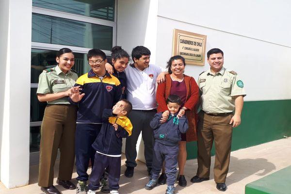Alumnos de escuela Aliro Lamas de Diego Almagro conocieron cuartel de carabineros
