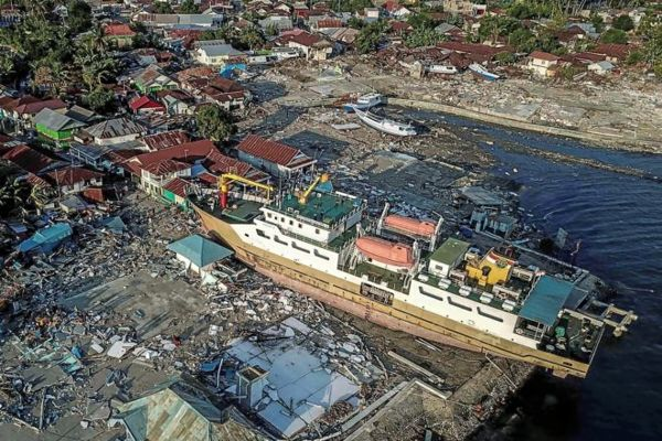 Tsunami en Indonesia: travesía por la carretera de la muerte