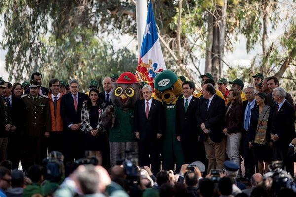 Presidente Piñera y Ministro Walker anuncian aumento el recursos para prevenir y combatir incendios forestales