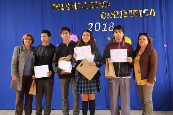 En Caldera alumnos son premiados en ciencias