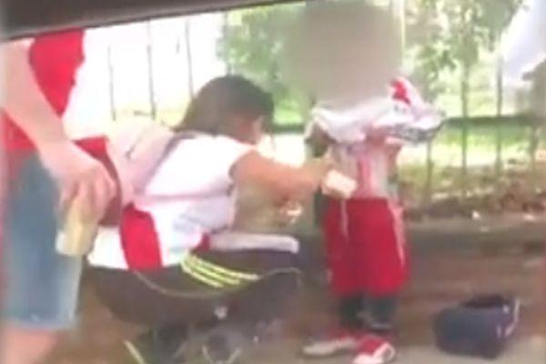 Argentina:Mujer es condenada por pegar bengalas al cuerpo de su hijo para entrar a partido