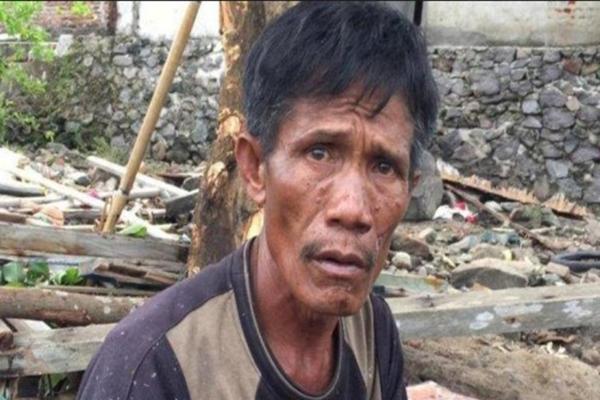 Salvar a su mujer o a su madre y su hijo: el drama de un indonesio tras el tsunami