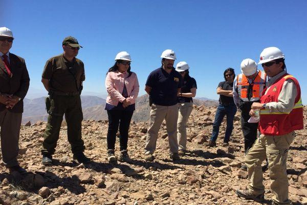 CONAF y autoridades constatan avance de proyecto de radiocomunicaciones para la región