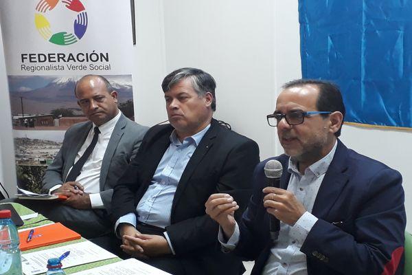 Presentan estudio de desigualdad en las regiones en Casa Regionalista de Vallenar