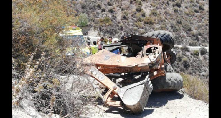 Operador de maquinaria muere tras caer 400 metros desde un barranco en Ovalle