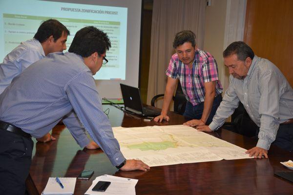 Intendente Sánchez impulsa actualización de los instrumentos de planificación de Atacama