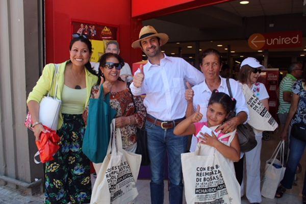 En Atacama: Autoridades Regionales Intercambian Bolsas Reutilizables por las bolsas plásticas de trasporte de mercaderías.