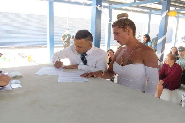 Dos parejas transgénero firmaron primer Acuerdo de Unión Civil en una cárcel de Antofagasta