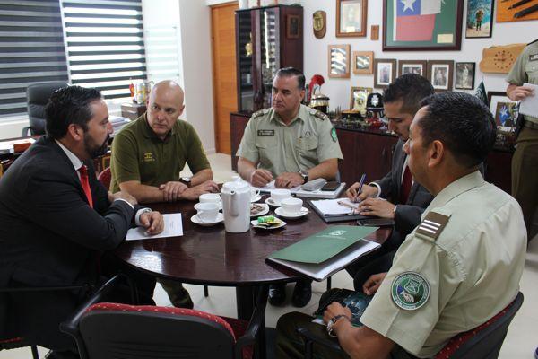 General de carabineros e intendente abordan temáticas de seguridad publica