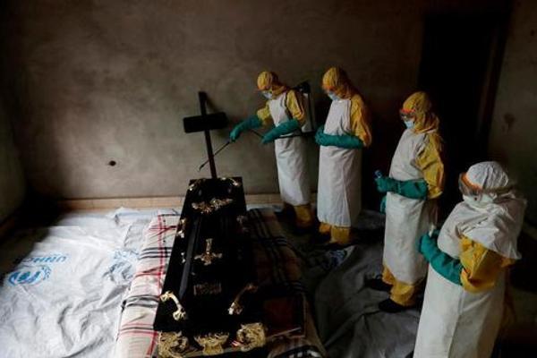 El brote de ébola del Congo acelera su expansión