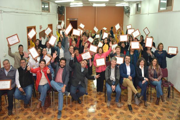 Minera Candelaria y municipalidad de Tierra Amarilla graduaron a primera generación de líderes sociales de la comuna
