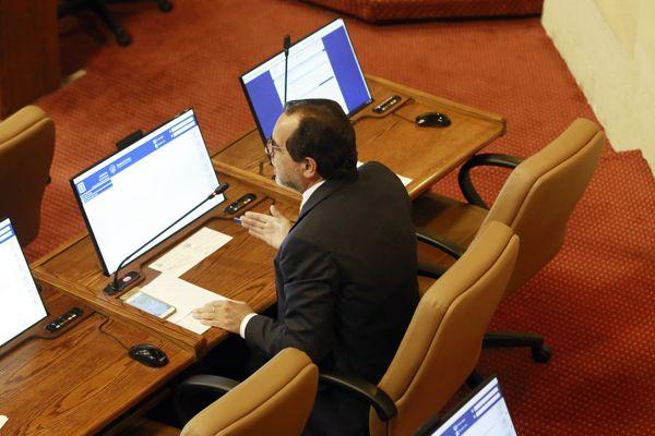 """Diputado Mulet (FREVS) lamentó aprobación de #LeyUber """"tal como quería el gobierno"""""""