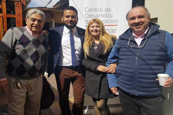 Emprendedores, Alumnos y Empresarios Vallenarinos participaron en seminario de «Experiencia del cliente»