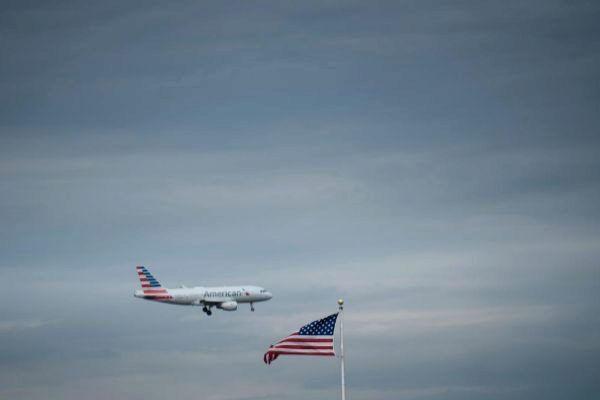 Estados Unidos suspende todo el tráfico aéreo con Venezuela