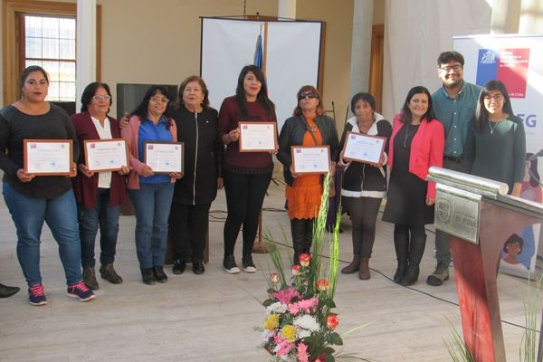 Integrantes del programa Mujeres Jefas de Hogar de Freirina fueron certificadas tras egresar de esta iniciativa de Gobierno