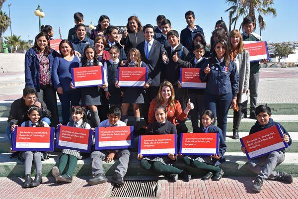 Gobierno inició entrega de computadores a estudiantes de 7º básico de establecimientos educacionales de Atacama