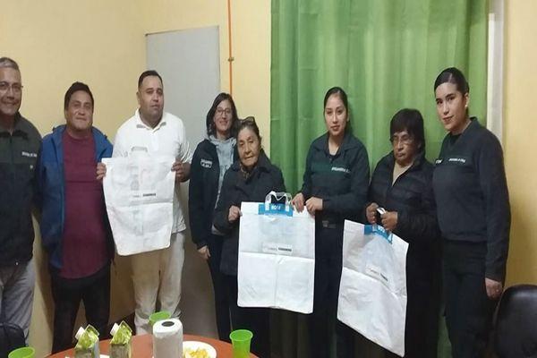 Internos de Chañaral fabrican bolsas reutilizables con material reciclado