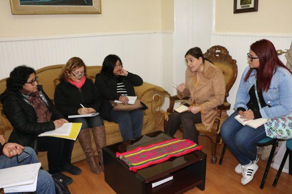Alcaldesa de Caldera se comprometió a mantener malla curricular histórica en educación