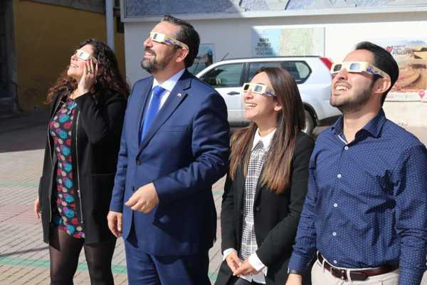 Seremi de Salud entrega recomendaciones para el eclipse solar