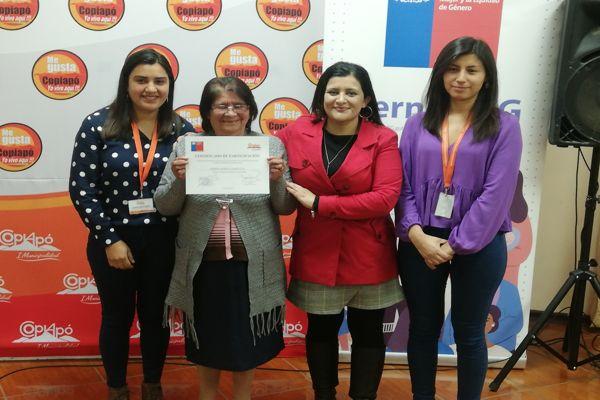 Más de 30 mujeres Adultas Mayores de Copiapó fueron certificadas tras participar en el programa «Mujer, Sexualidad y Maternidad»
