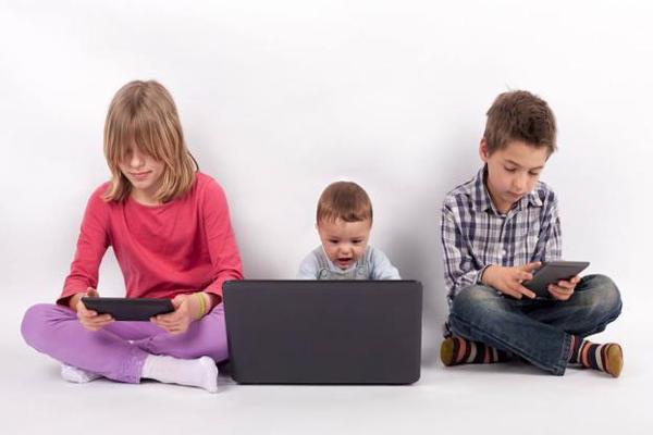 Cinco tips para alejar a los niños de las pantallas en estas vacaciones de invierno