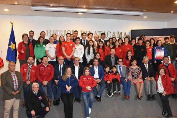 Gobierno Regional entrega recursos a 66 deportistas destacados de Atacama