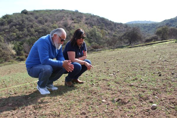 Experto enseña en El Melón cómo alimentar al ganado en tiempos de sequía