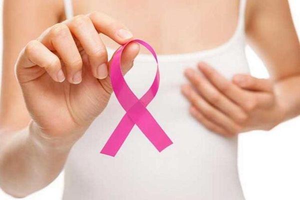 Especialista alerta por aumento en casos de cáncer de mamas en mujeres más jóvenes