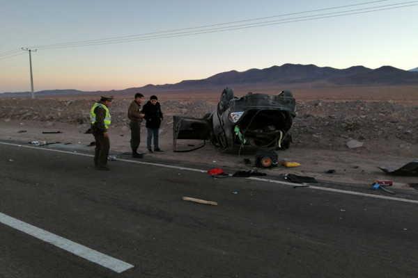 Una persona fallecida y dos heridos dejó como consecuencia accidente carretero en Diego de Almagro