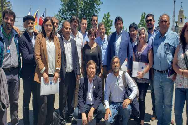 Alcaldes de Atacama participan en asamblea nacional en la región metropolitana