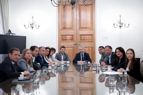 """""""Diputados de Chile Vamos proponen a Blumel agenda anti delincuencia que otorga más facultades a policías para combatir saqueos e incitación a la violencia"""""""