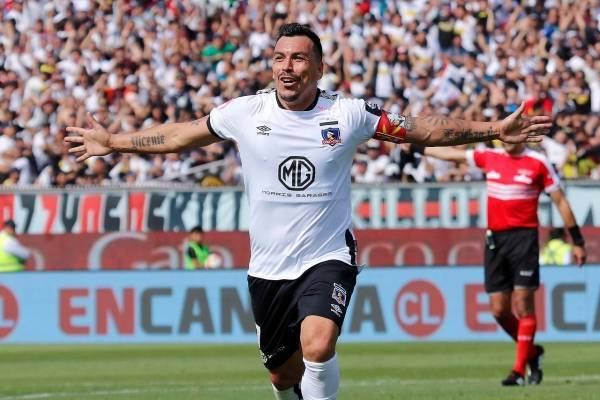 Esteban Paredes se consagró mejor jugador de la década en el fútbol chileno