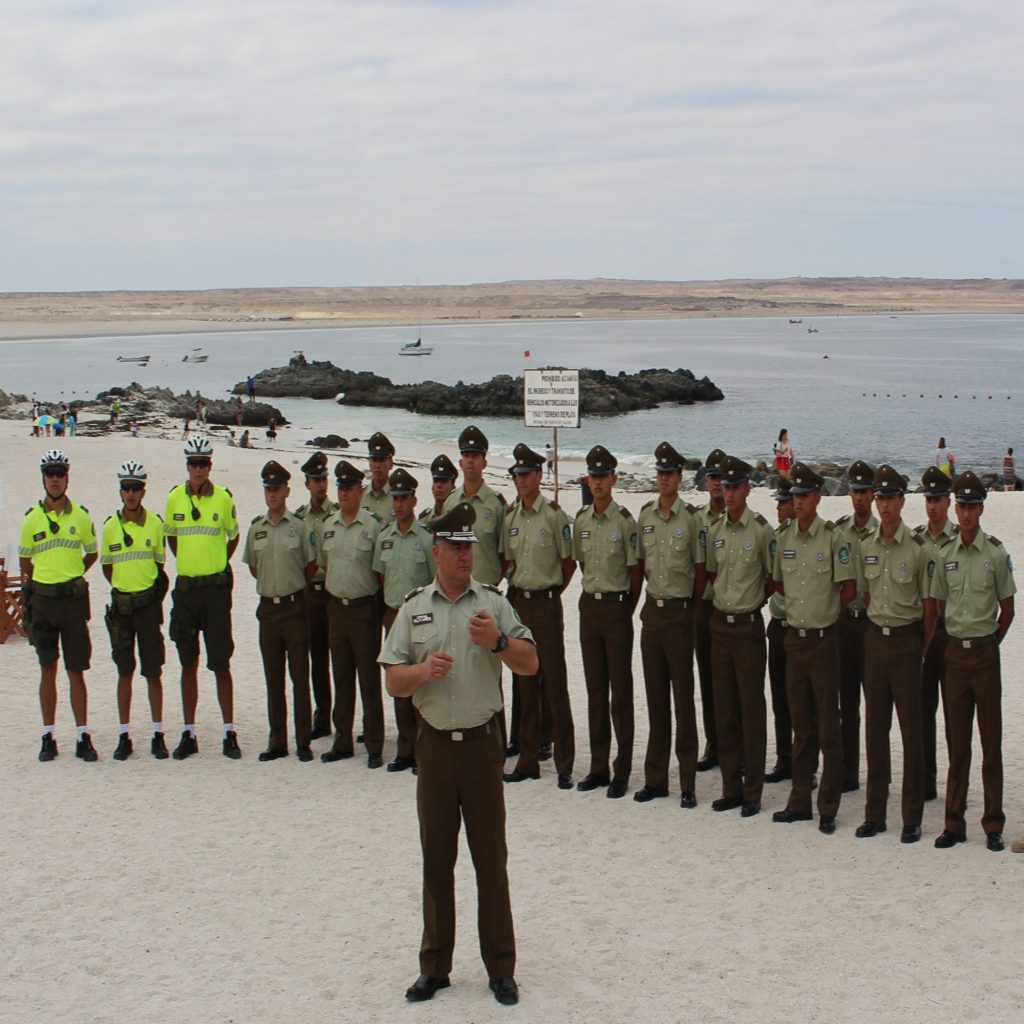 Para un verano seguro carabineros realiza servicios reforzados en la playas de Caldera