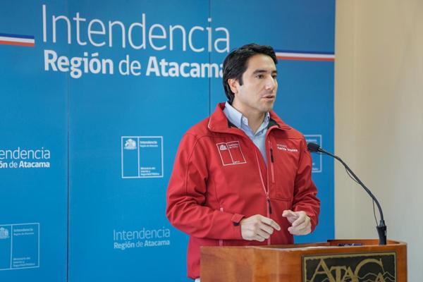 Intendente Urquieta informa la suspensión de clases y adelanto de vacaciones de invierno