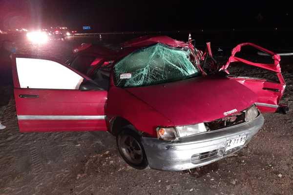 Impacto por alcance entre camión y auto particular dejó como consecuencia una víctima fatal