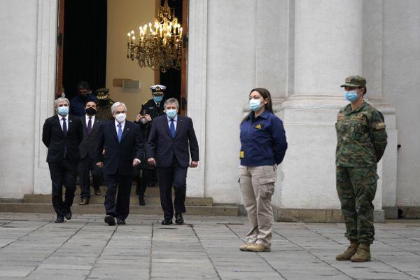 """Presidente Piñera destaca ley que aumenta sanciones por incumplimiento de medidas sanitarias: """"Es una situación que simplemente no podemos tolerar"""""""