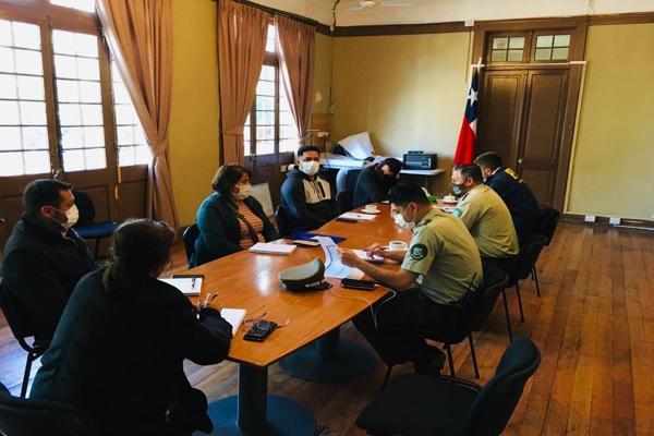 Gobernadora del Huasco Nelly Galeb se reúne con dirigentes sociales por temas de seguridad pública en medio de la emergencia sanitaria
