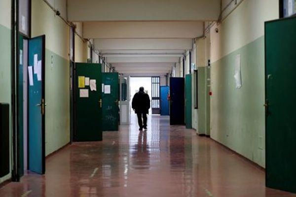 Se suspende las clases en un colegio de Italia tras confirmarse un positivo entre los alumnos.