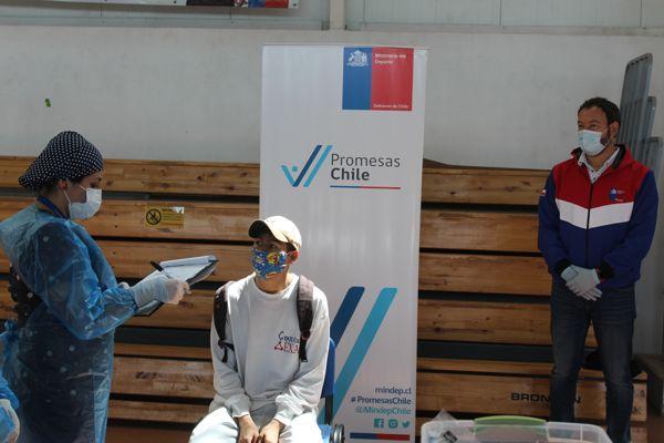 Deportistas de promesas Chile del MINDEP-IND Atacama se realizan PCR para volver a entrenamiento.