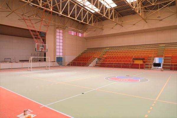 Clubes y organizaciones deportivas de Copiapó visitan remozado estadio techado Orlando Guaita