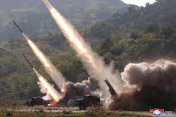 Corea del Norte hace su primer ensayo de misiles durante presidencia de Joe Biden